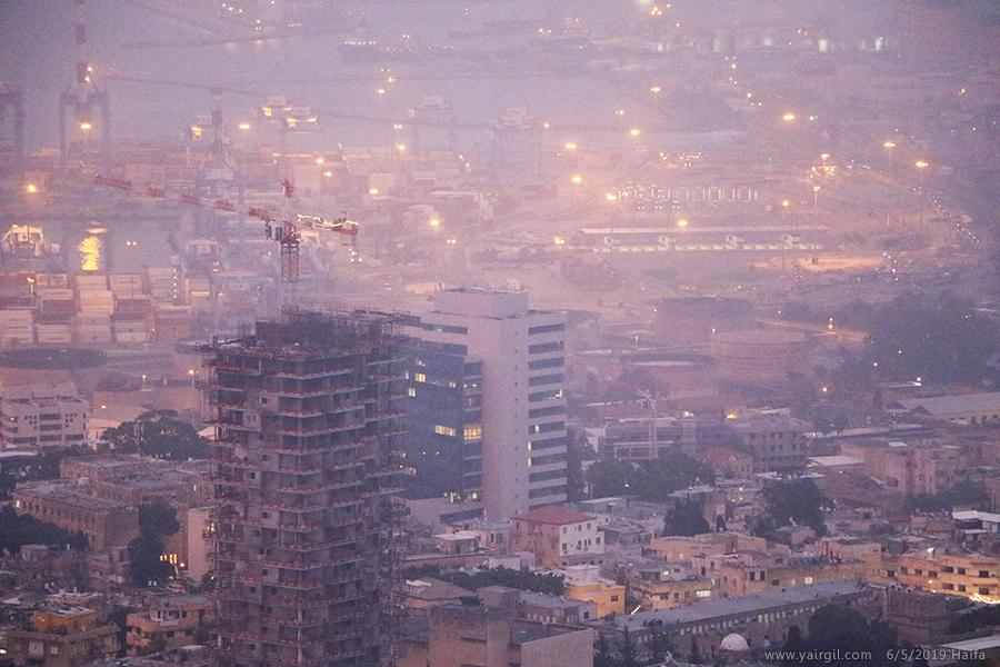 אבק וערפל בחיפה היום