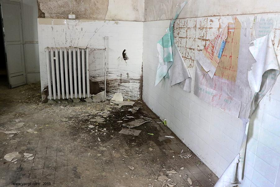 מתחם בית הכנסת שהפך לבריכת שחיה