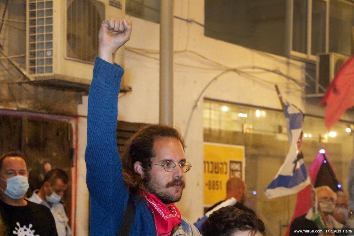 חיפה! קולות נגד ראש ממשלה נאשם בפלילים